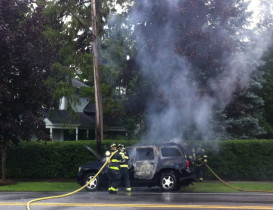 Geneseo Car Fire Shuts down Traffic on South Street
