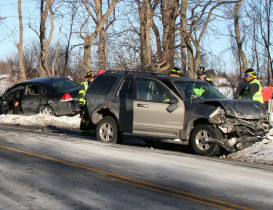 1 Seriously Injured in 4-vehicle Accident on Lakeville Road