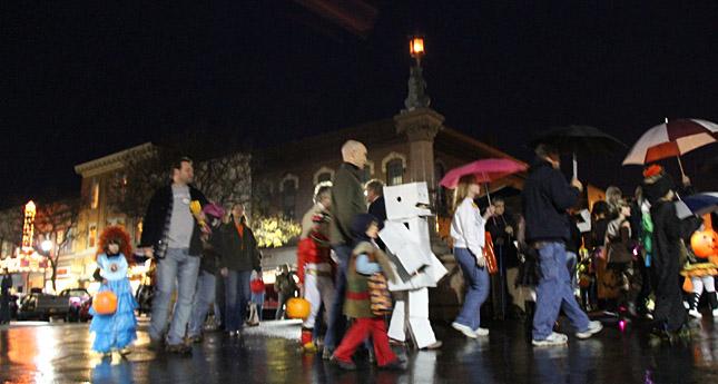 Geneseo Main Street Halloween Parade a 'Spooktacular' Event