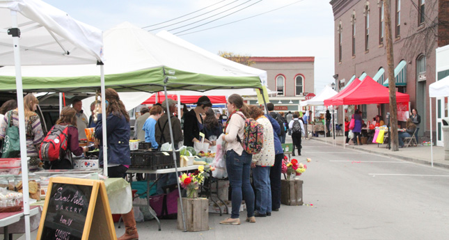 Geneseo Farmers Market Flourishes on Last Day