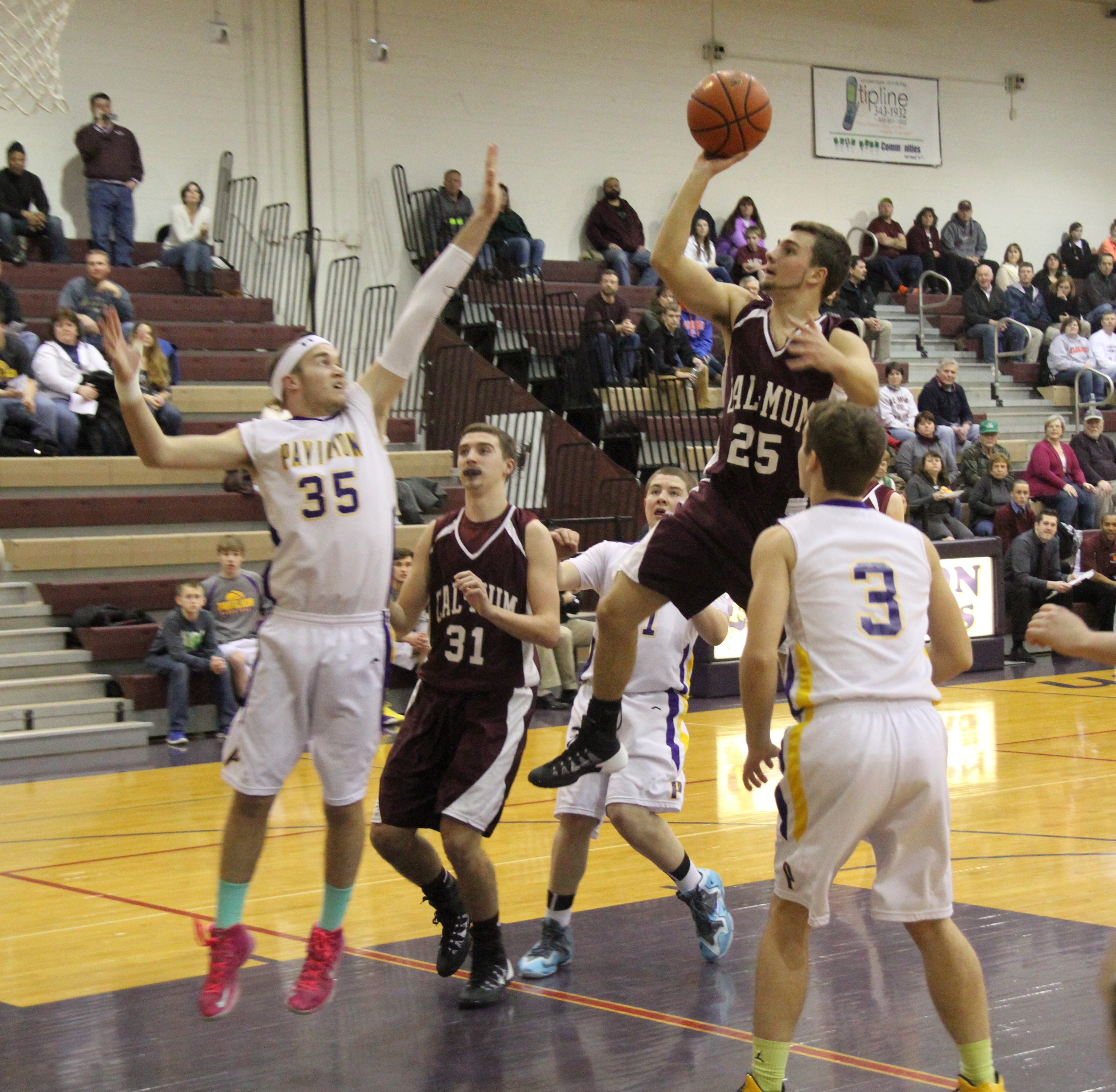 Boys Basketball: Raiders Extend Win Streak Against Gophers