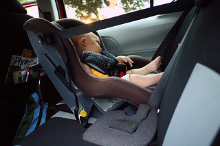 Police Check Your Babies' Carseats for Holiday Safety