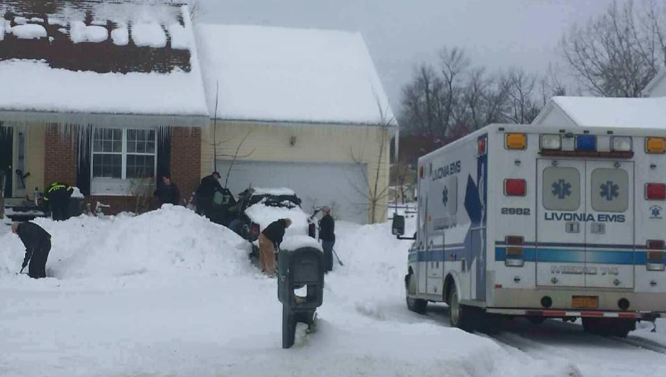 Big-Hearted Ambulance Crew Shovels Man's Driveway