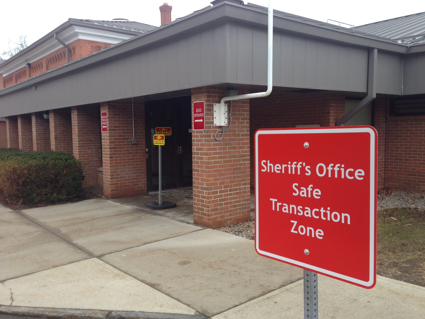 "Meetings Safe Rather than Sorry at Sheriff's ""Safe Transaction Zone"""