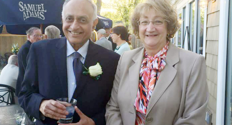 Dr. Sohail Qureshi Receives Lifetime Achievement Award from Noyes Health