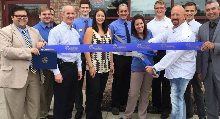 Chamber of Commerce Welcomes New AT&T Store to Geneseo