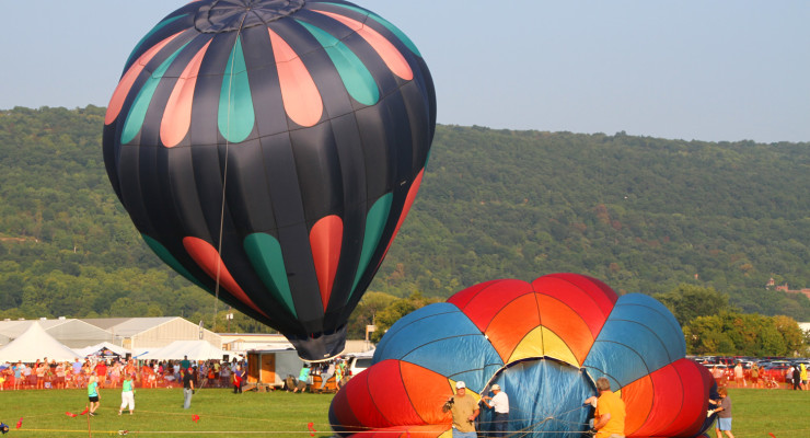 WATCH: Balloons Buzz as Hot Air Balloon Festival Takes Flight