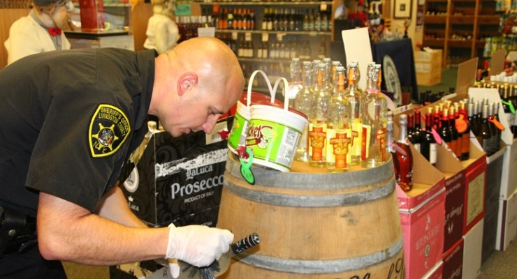 Thief at Large after Failing to Nab Fast Cash from Geneseo Liquor Store