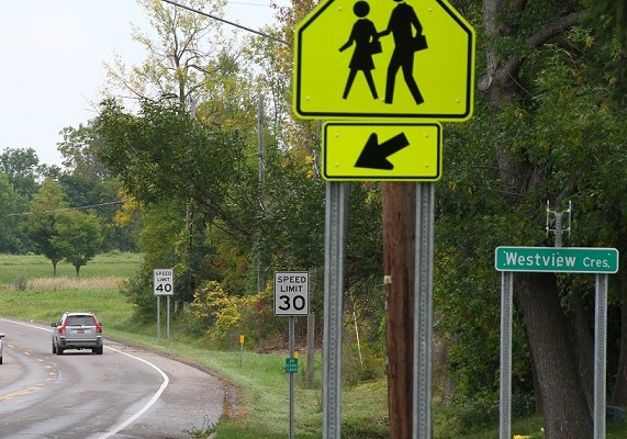 Geneseo Asks DOT to put the Brakes on Cars by School