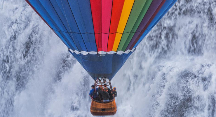 Hot Air Balloon in Letchworth State Park Takes Magnificent Ride Over Middle Falls