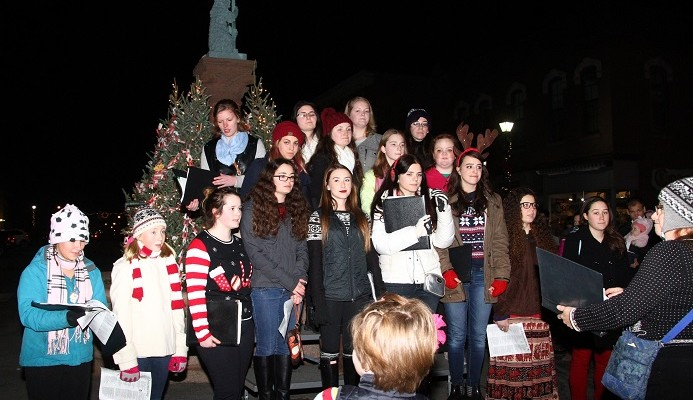 Sweet Treats and Voices Warm Geneseo at ChristmaSing