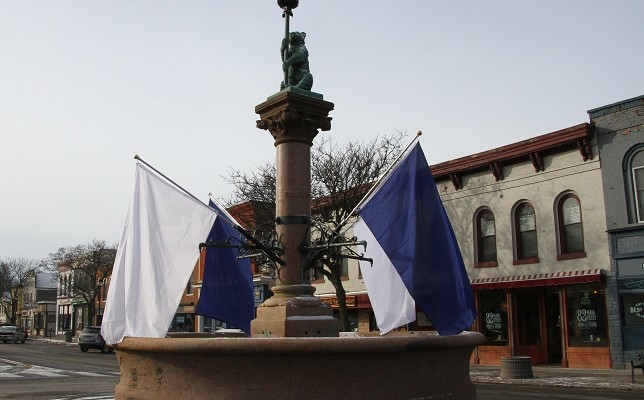 Geneseo's College and Main Street Wear Blue and White for Annese and Hutchinson