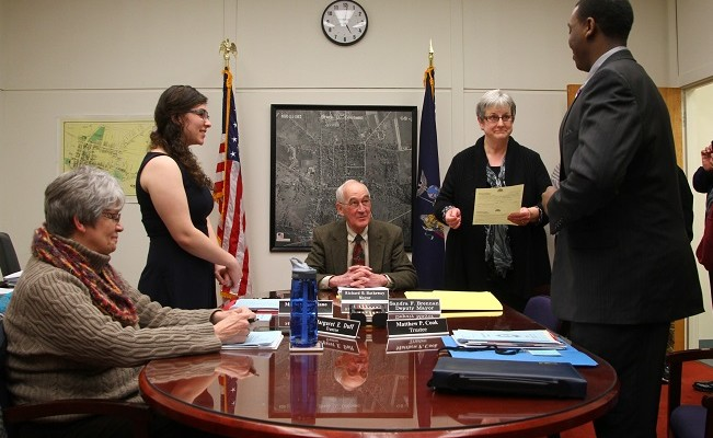 Geneseo Swears in Rutigliano and Cook as Trustees