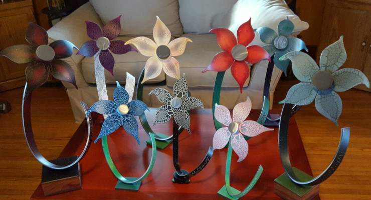 Father Crafts Elegant Steel Flowers to Fundraise for Sick Daughter