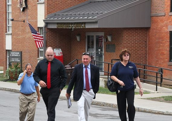 Resigned Jail Deputy Admits Felony Bribe Receiving, No Jail Pursued