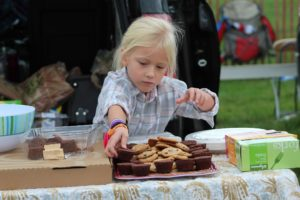 Laying out treats for the tailgate. (Photo/Karen Kandra Wenzel)