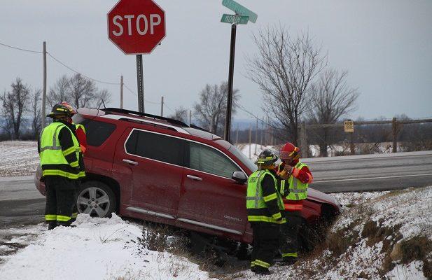 Crash Injures Driver on Lakeville Road in Geneseo