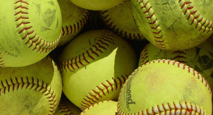 SOFTBALL: Ruskauff Secures the Win for Geneseo