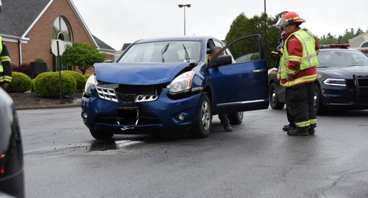 Crash Briefly Freezes Traffic at Geneseo Wegmans
