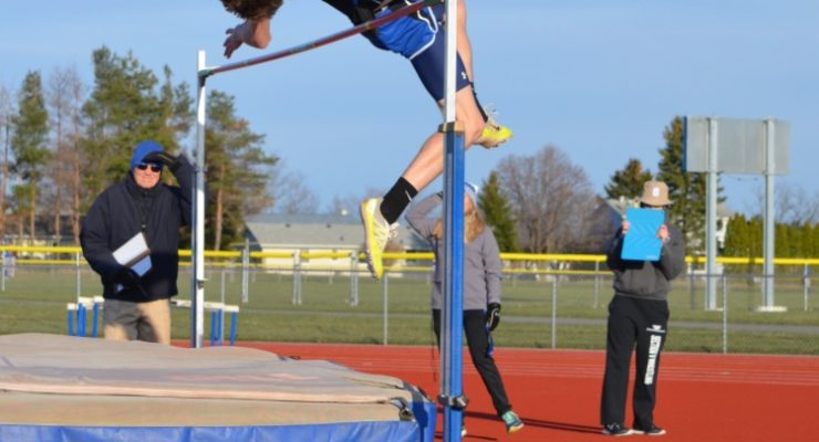 TRACK: Rollins Continues to Raise the Bar, Moves to 4th in Section V in Pent