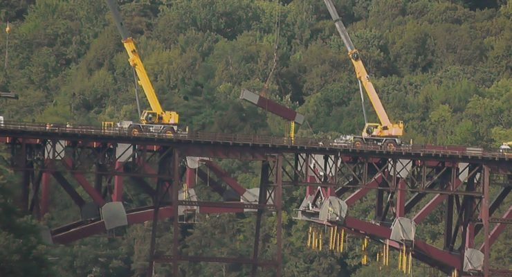 Final Arch Piece Joins Letchworth Rail Bridge