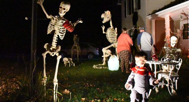 Livonia 'Halloween House' Returning to Gory Glory