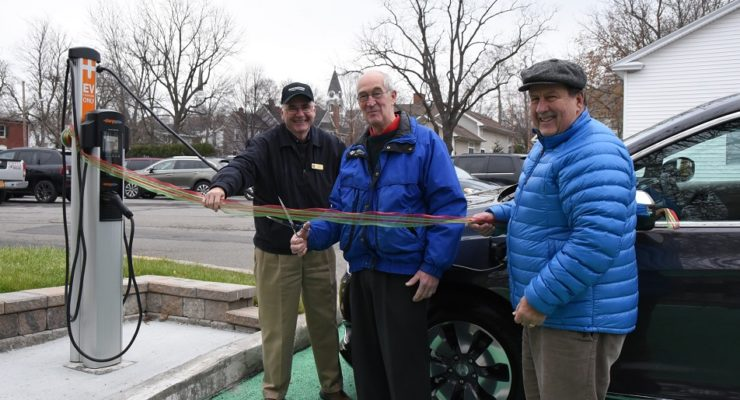 Electric Cars Plug into Geneseo for Free