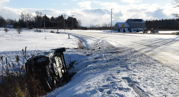 Livonia Rollover Injures 3