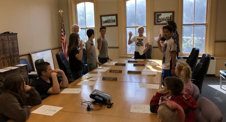 6th Graders Take a Walking Tour Through Town of Avon