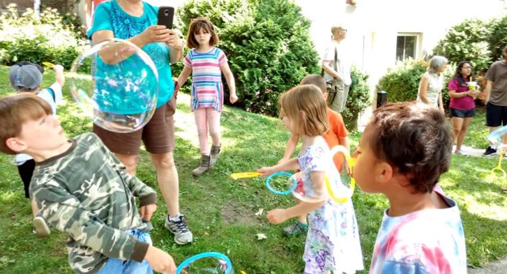 Bubble Man Brings Bubble Mania to Wadsworth Library
