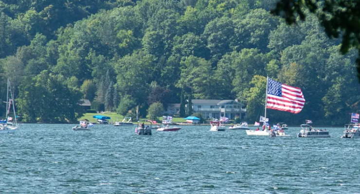 "Nearly 200 Boats ""Parade"" in Support of Trump/Police"