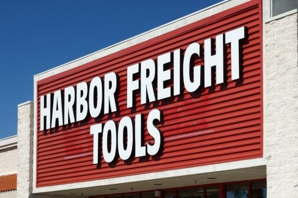 HARBOR FREIGHT TOOLS SIGNS DEAL TO OPEN NEW LOCATION IN GENESEO — Hiring