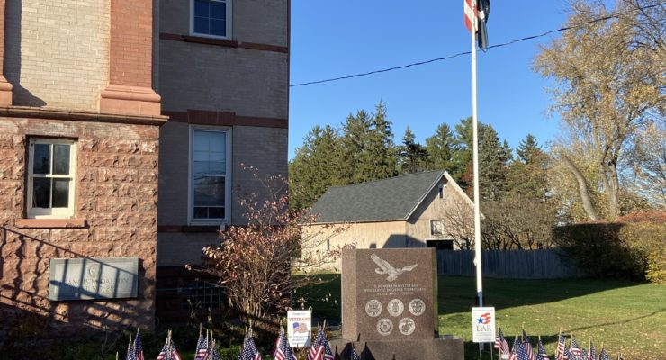 Lima's Daughters of the American Revolution Honors Veterans